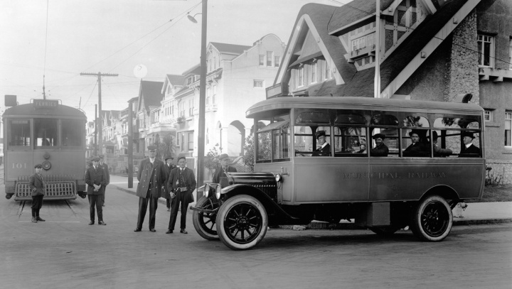 First bus Municipal Railway ran. Taken 1917 at Fulton and 10th Ave. SFMTA photo W05065p. http://sfmta.photoshelter.com